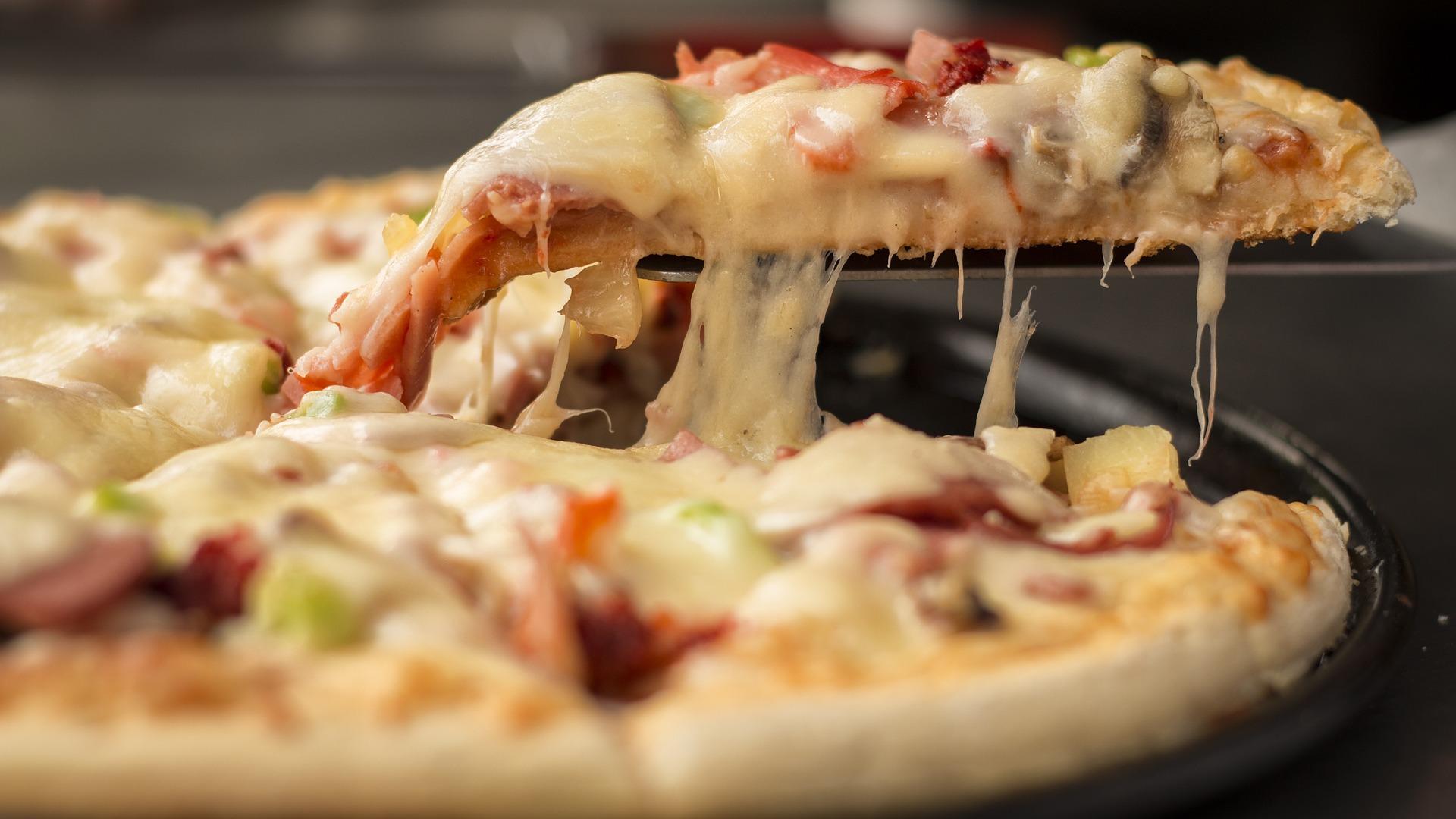 Steinofen Pizza Schönebeck